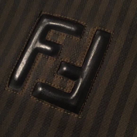 eba2c1bf145 AUTHENTIC Fendi Nylon vintage shoulder bag. M_5b650bc934e48a3315e38308